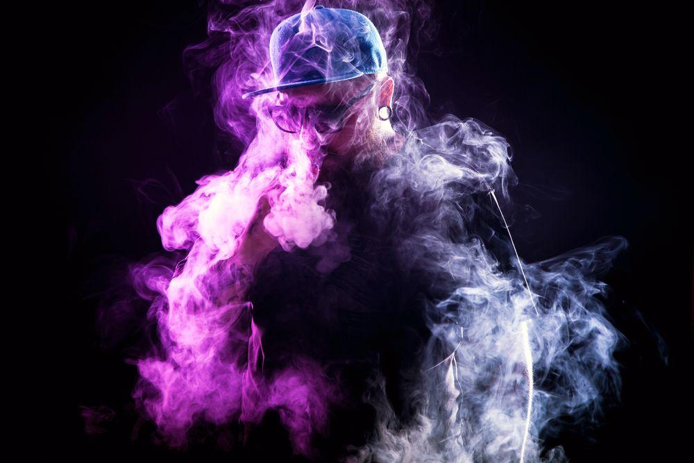 цветной дым электронной сигареты